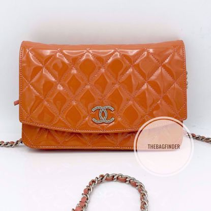 Picture of Chanel Wallet On Chain Patent Salmon