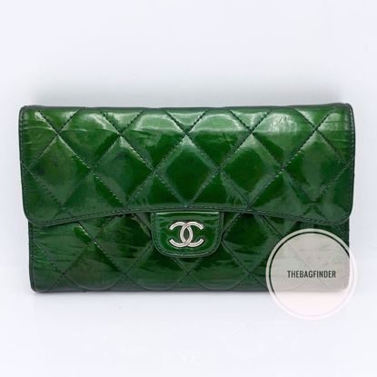 Picture of Chanel Green Patent Wallet